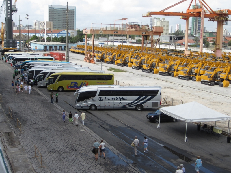 Image of bus queue